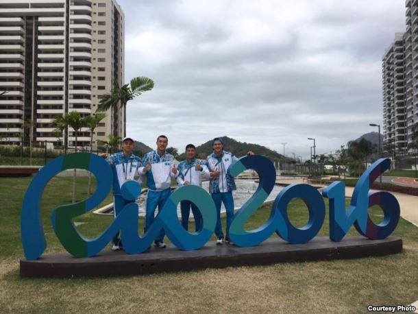Олимпиада қалашығында жүрген Қазақстан боксшылары. Рио-де-Жанейро, 29 шілде 2016 жыл.