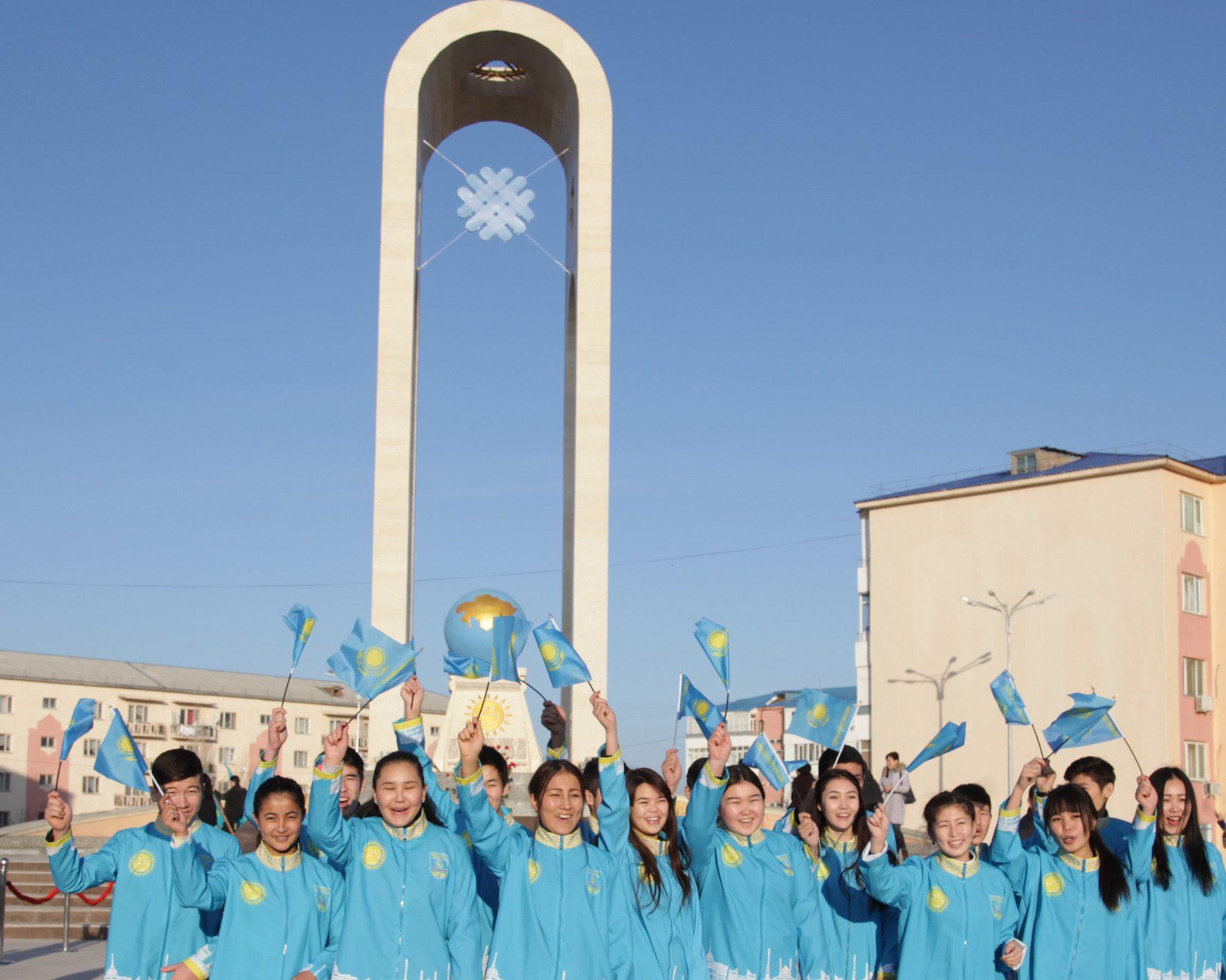 ҚР Тәуесіздігінің 25 жылдығына арналған монумент Тараз