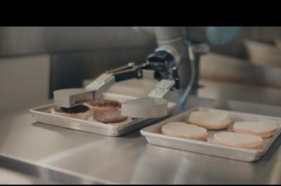 Бургер дайындайтын робот