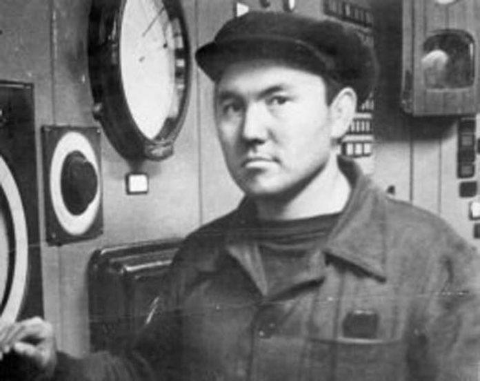 Нұрсұлтaн Назарбаев, Жас кезі, Күзетші