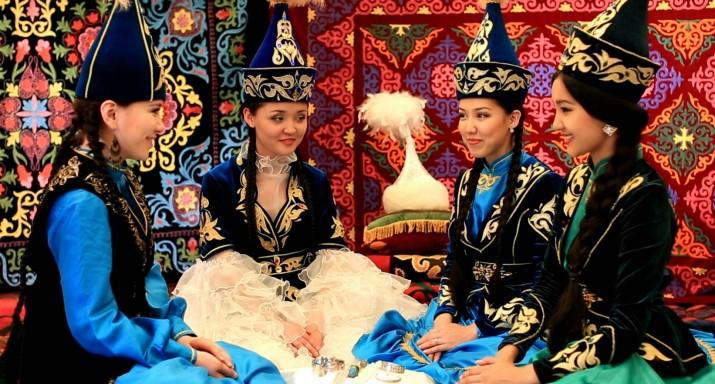 Қазақ қызы, ұлттық киім