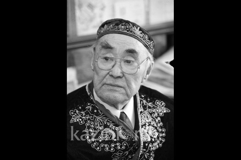 Мұзафар Әлімбаев