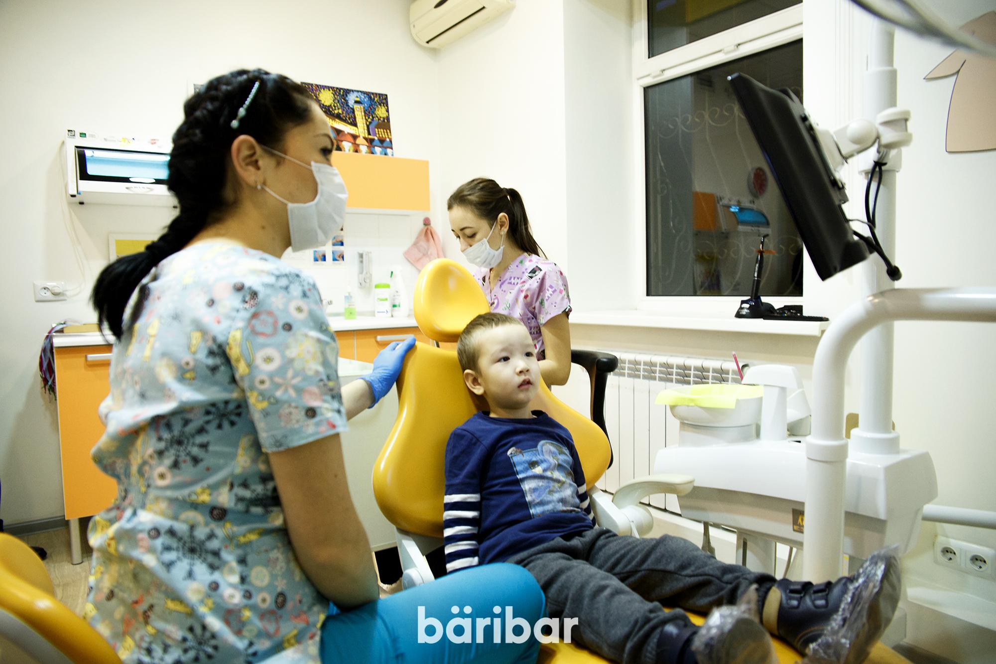Тіс дәрігері София Ансарова