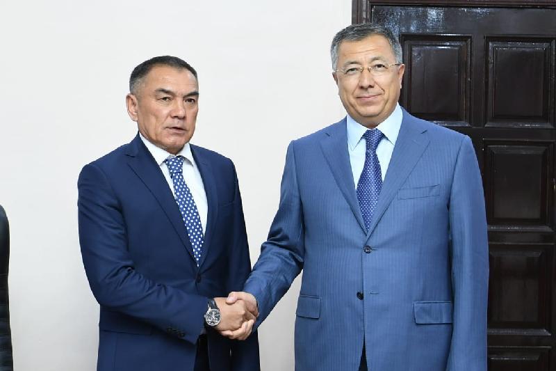 Әліпбек Өсербаев, Жансейіт Түймебаев