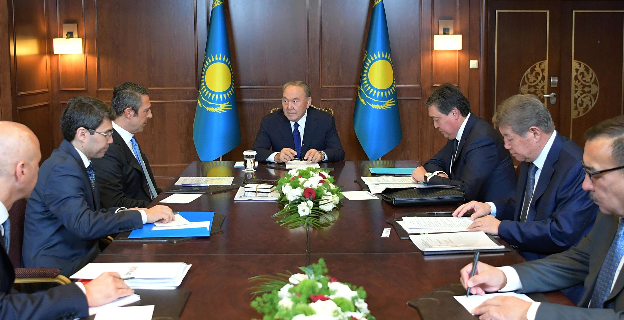 Назарбаев Түркия бизнесменімен