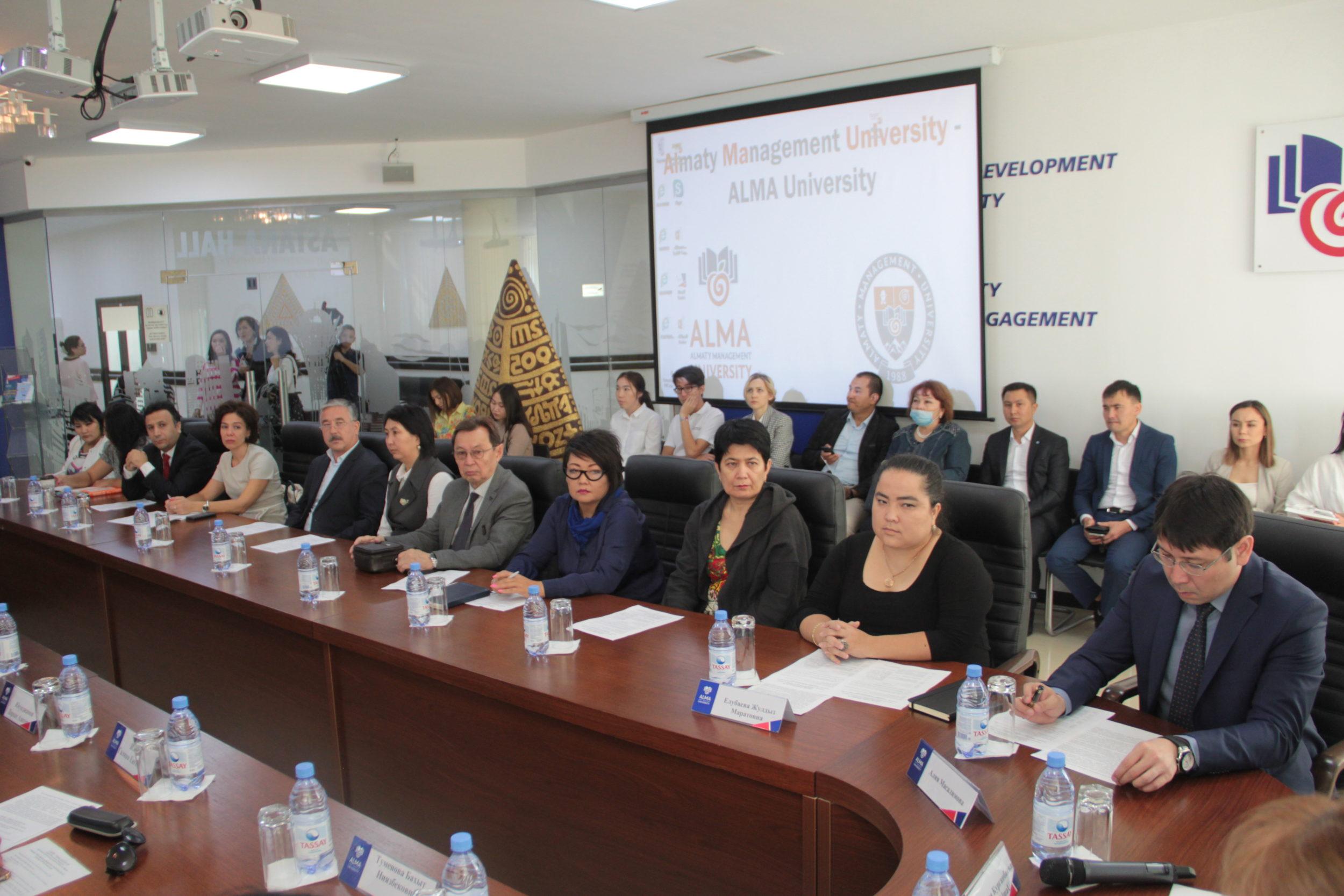 Алматы университеттері студенттерге қоғамға қызмет етуді оқытқалы отыр