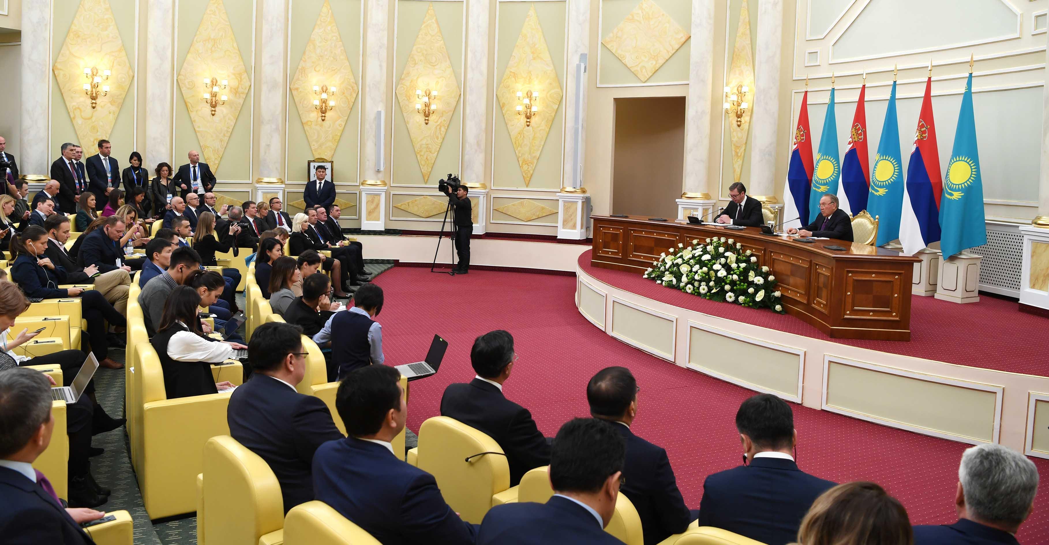 Александр Вучич пен Нұрсұлтан Назарбаев