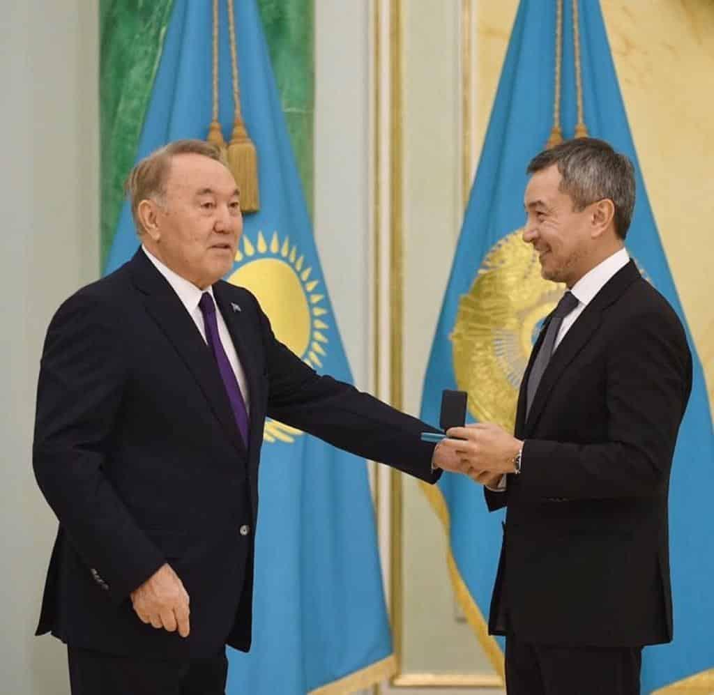 Ақан Сатаев, Нұрсұлтан Назарбаев