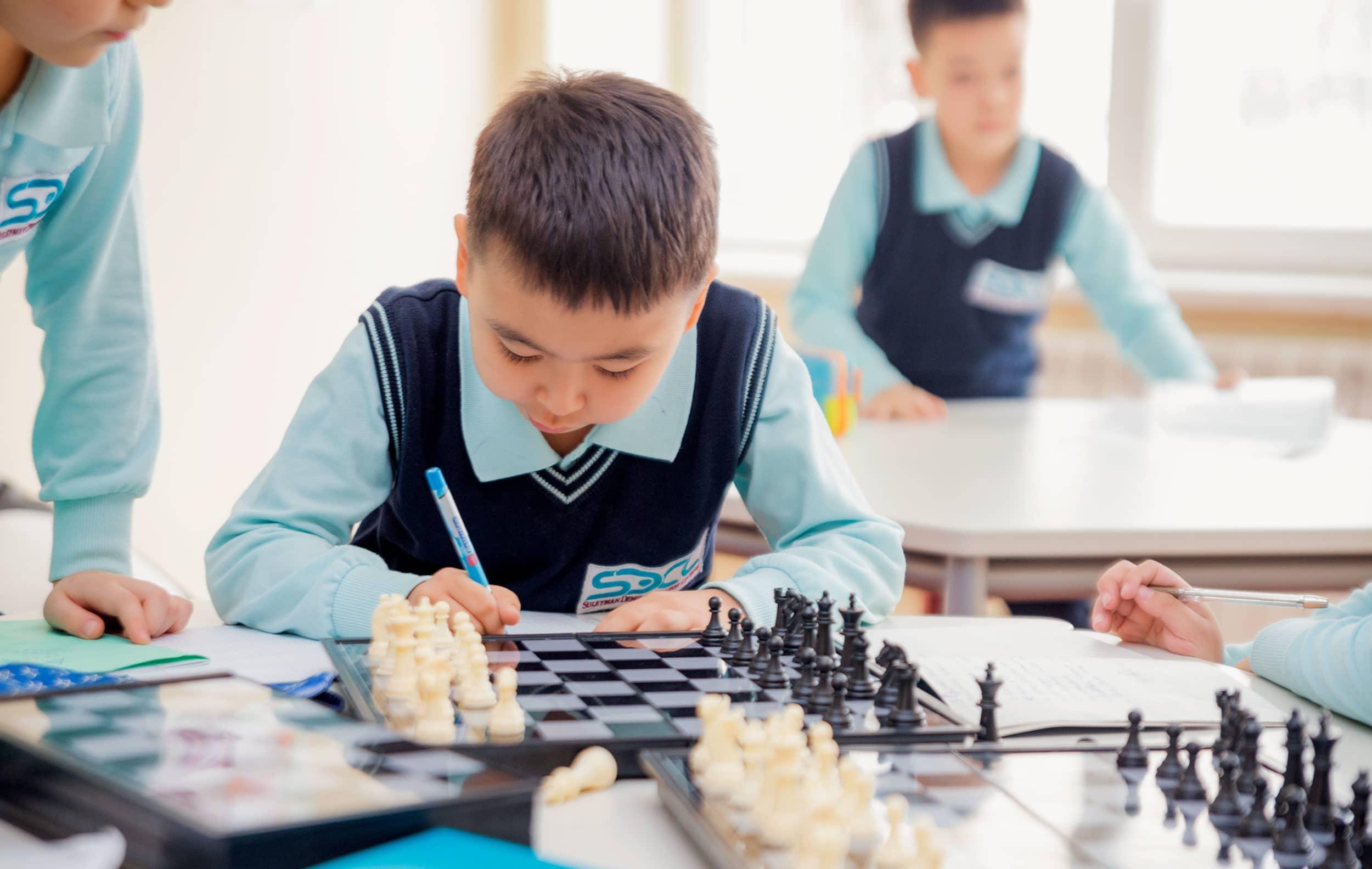 оқушы, шахмат