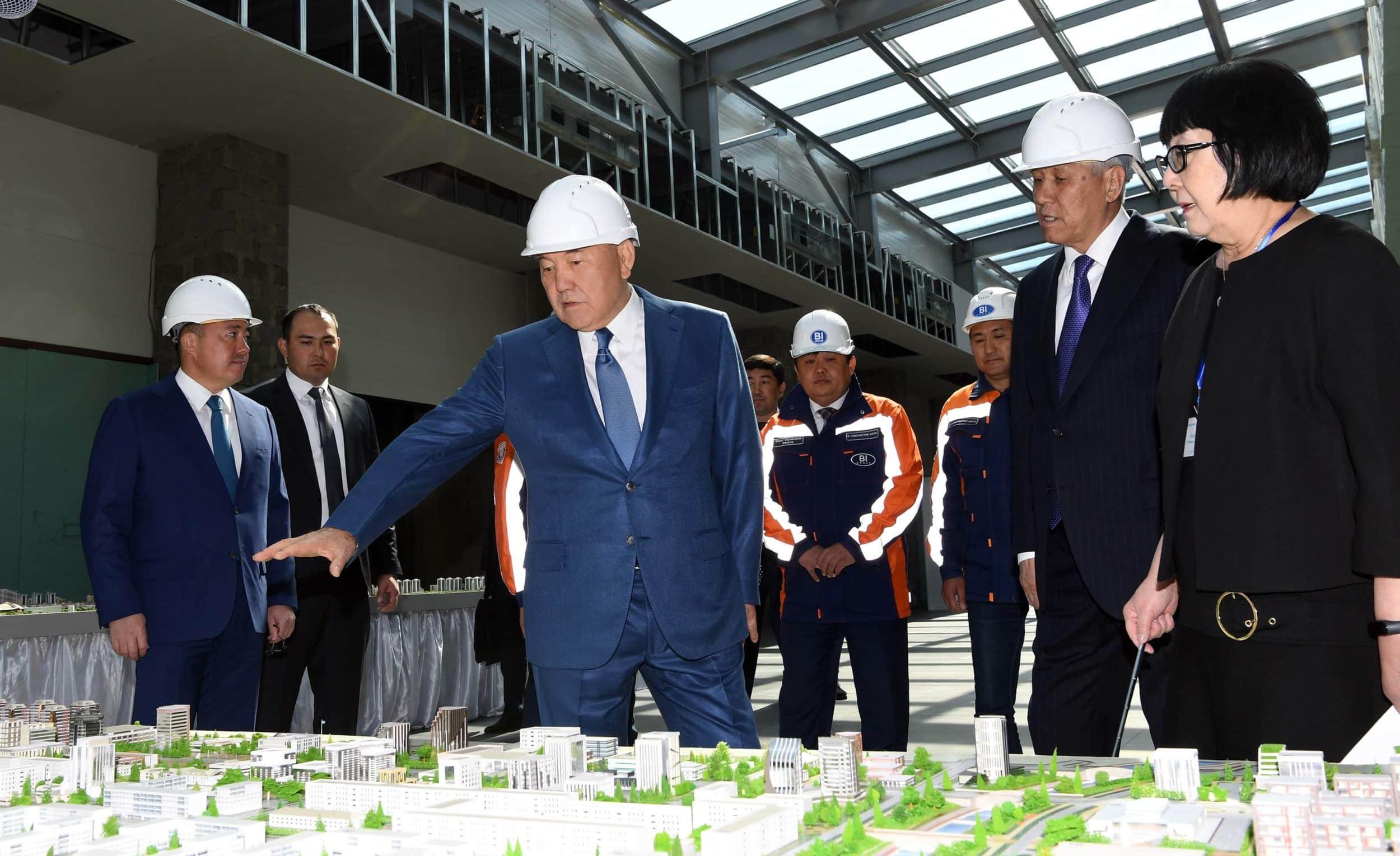 Нұрсұлтан Назарбаев Шамалғандағы дене шынықтыру кешенінде