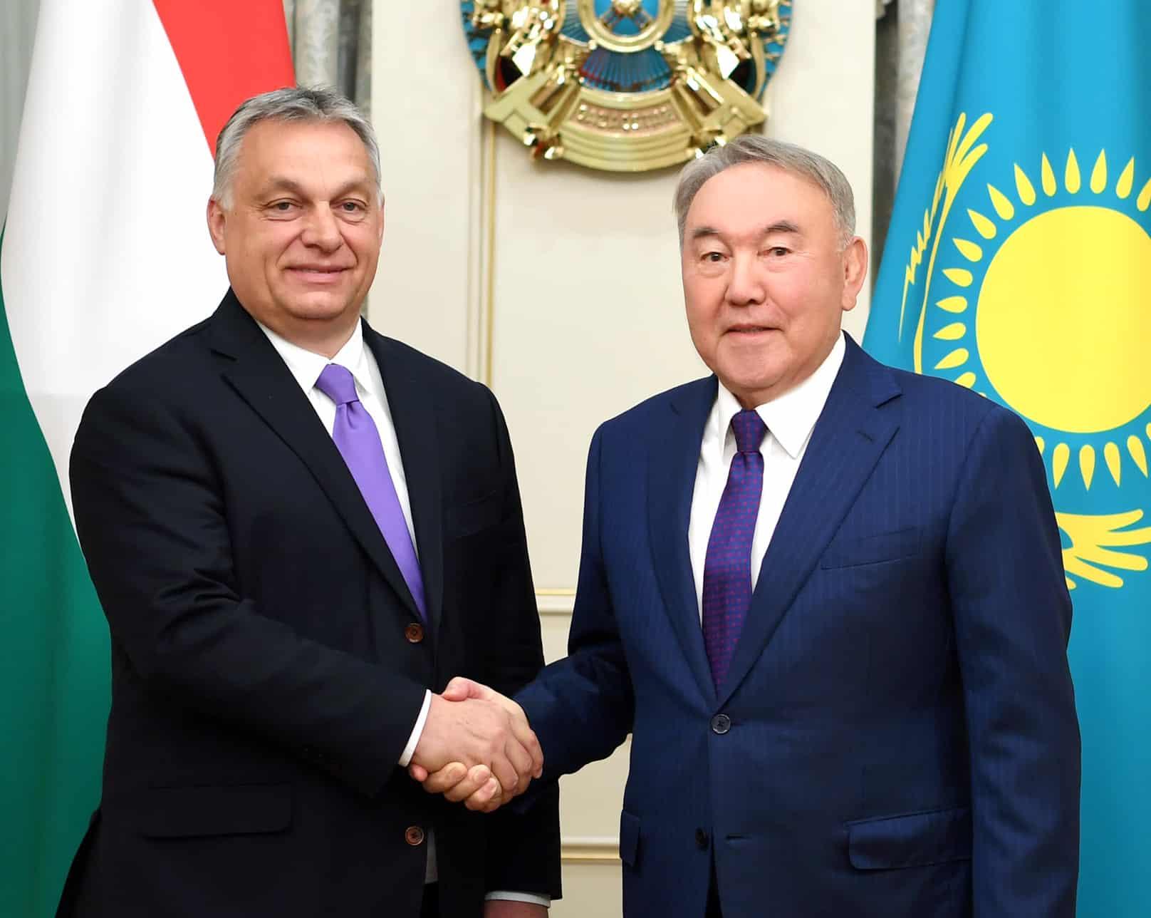 Нұрсұлтан Назарбаев Виктор Орбанмен кездесті