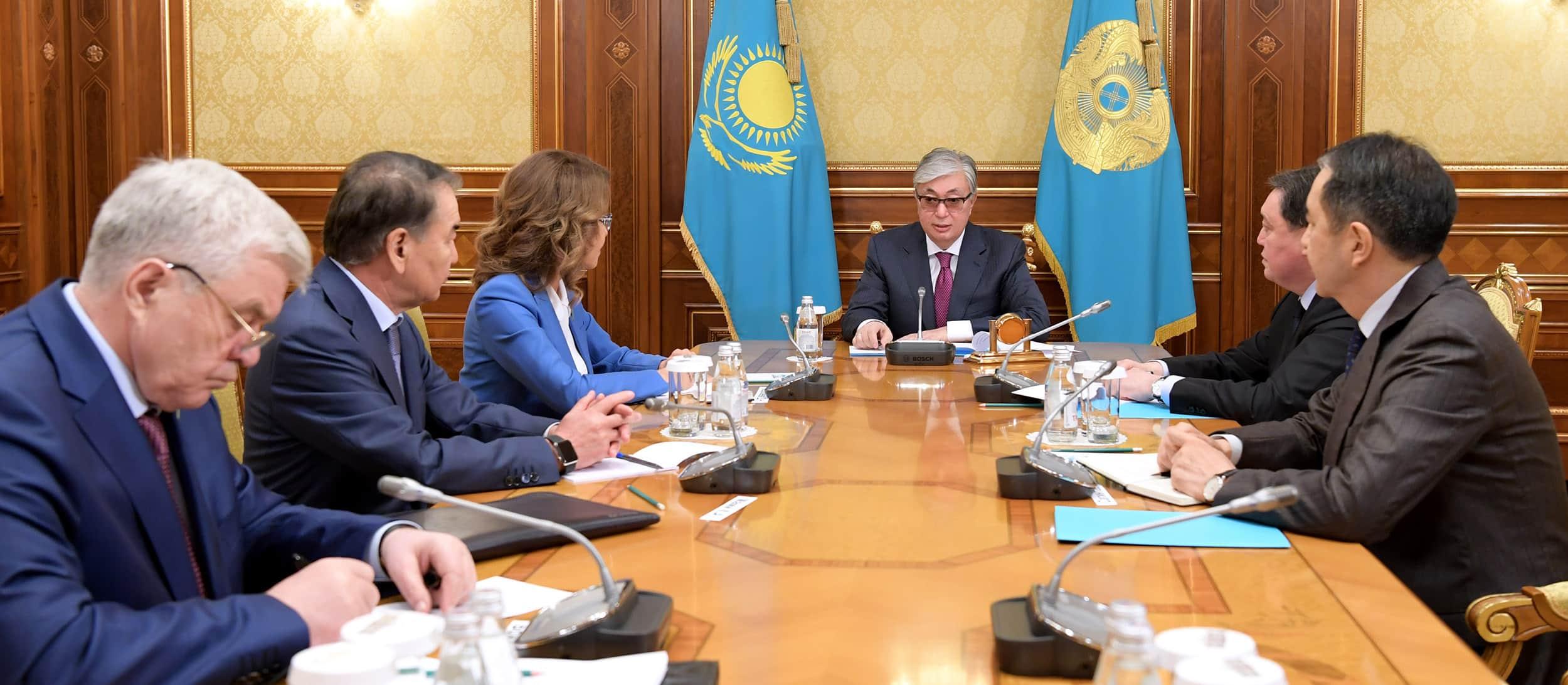 Президент Сенат, Мәжіліс, Үкімет және Конституциялық кеңес басшыларын қабылдады