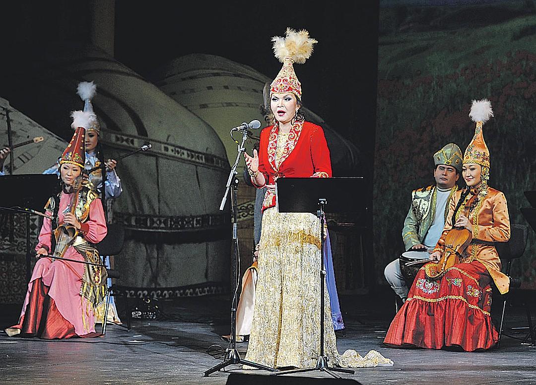 Дариға Назарбаева сахнада
