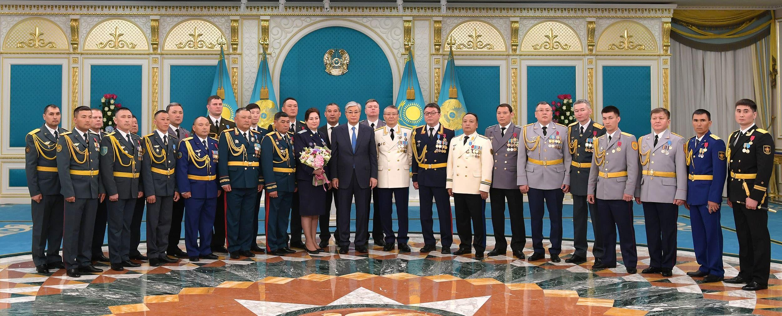 Президент әскерилер