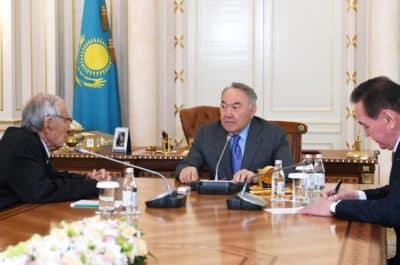 Нұрсұлтан Назарбаев Серік Қирабаевпен әңгімелесті