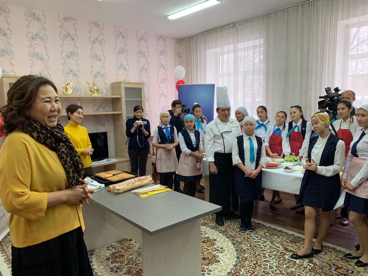 """Шынар Бүгімбаева, """"Qaganat"""" қоғамдық тамақтану желісінің директоры."""
