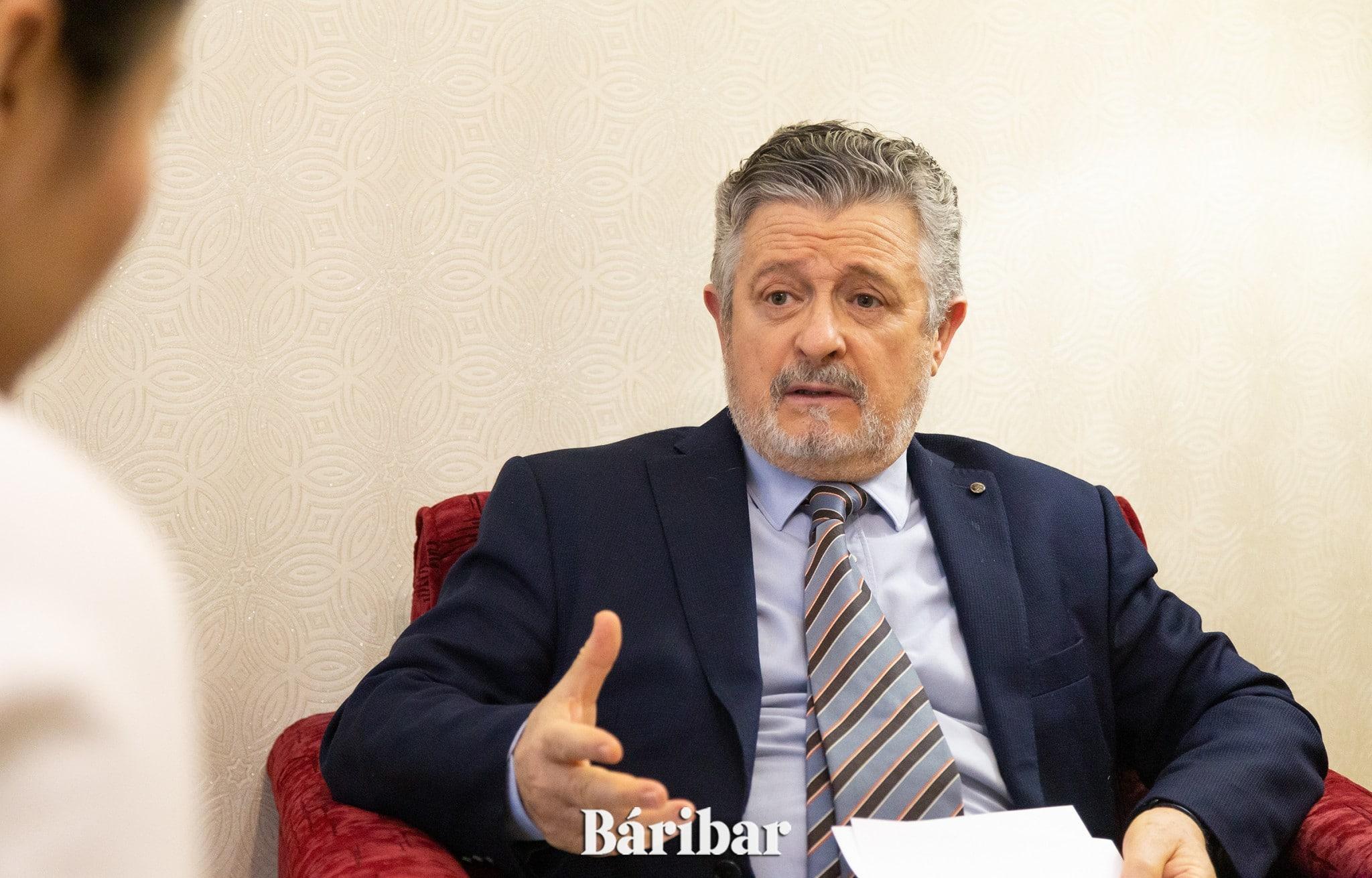 Психоаналитик Мануэль Мартинез